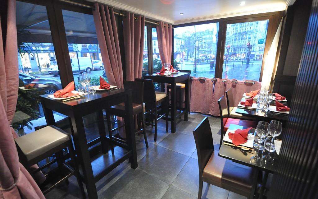 salle-restaurant-comptoir-nippon-3